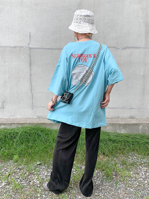 バックプリントがかわいいゆるゆるくまさんのTシャツ♪